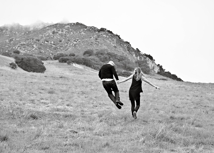 san luis obispo engagement photos on bishops peak